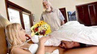 Yaşlı Kocasından Çektiği Çilenin Acısını Üvey Oğluyla Çıkardı