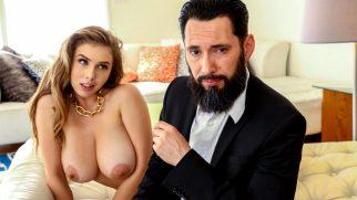Seks Doktoru Azgın Hastasıyla Yakından İlgileniyor
